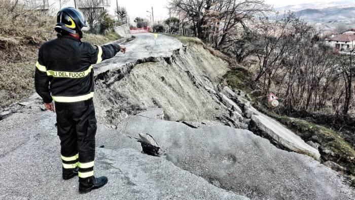 earth day 7 milioni di persone in aree ad alto rischio