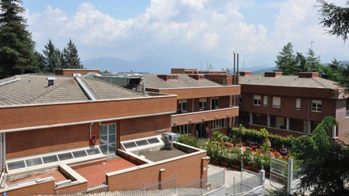 Pestaggio in pieno centro: aggredito l'Amministratore della Clinica Montevergine