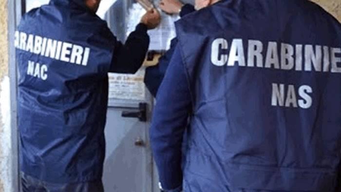 Migranti: carenze igieniche e documenti falsi, sequestrati due centri d'accoglienza a Benevento