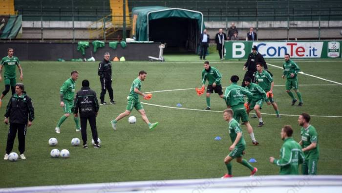 Avellino is back: Foscarini-show all'esordio in panchina, Perugia ko 2-0