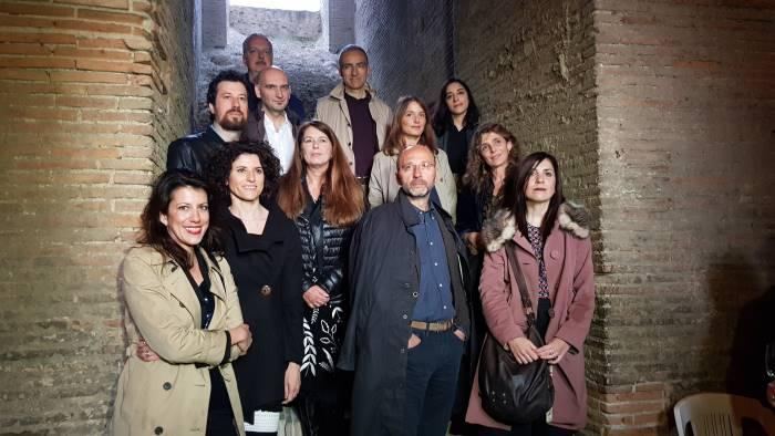premio strega gli autori brindano al teatro romano