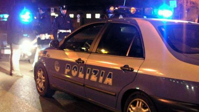 spaccio di droga e resistenza a pubblico ufficiale 2 arresti