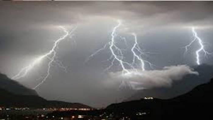 maltempo prorogata l allerta vento a 100 km orari e pioggia