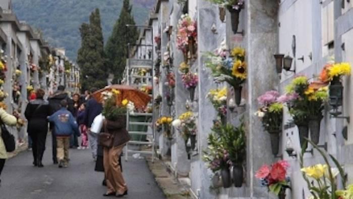 furti al cimitero di pagani tre raid in 39 giorni