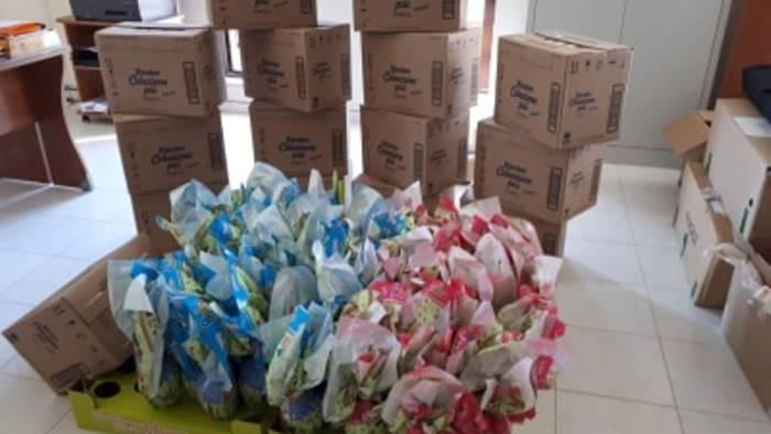 paternopoli pacchi in dono per i piu piccoli nelle case