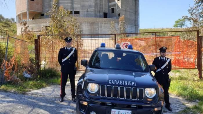 sorpreso a rubare arrestato dipendente comunale