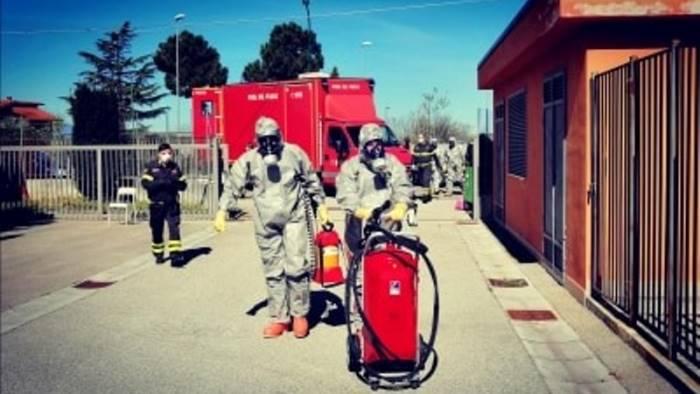 vigili del fuoco sanificano comune e case di riposo