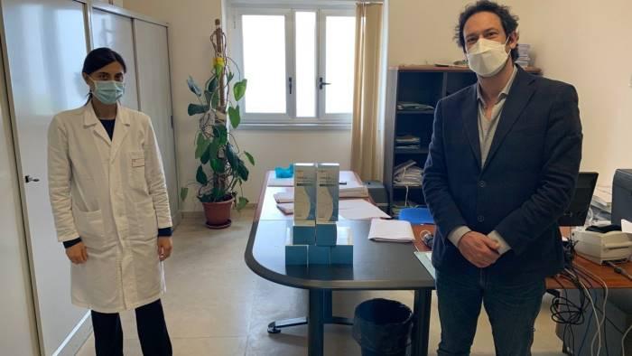 Roccadaspide: Cammarano consegna mascherine in ospedale - Ottopagine.it  Salerno