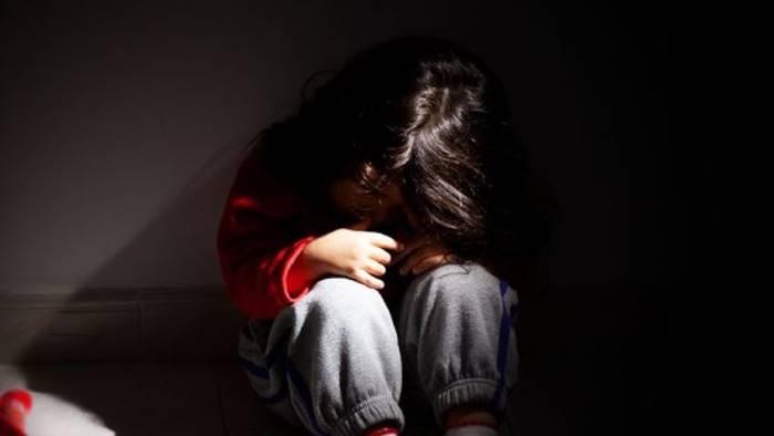 orrore in provincia bimba abusata dal nonno in quarantena