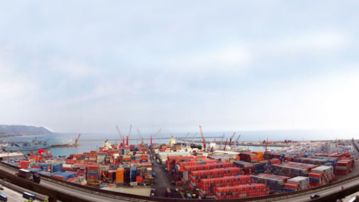 il covid non ferma il porto di salerno sct segna 12 3