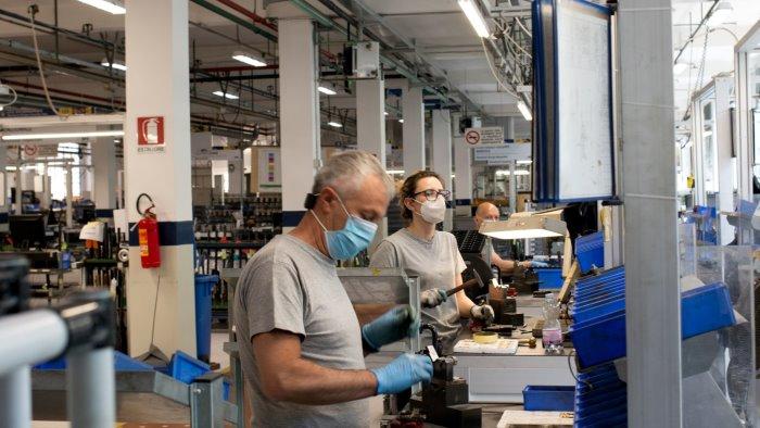 Vaccini in azienda, 100 imprese irpine coinvolte - Ottopagine.it Avellino