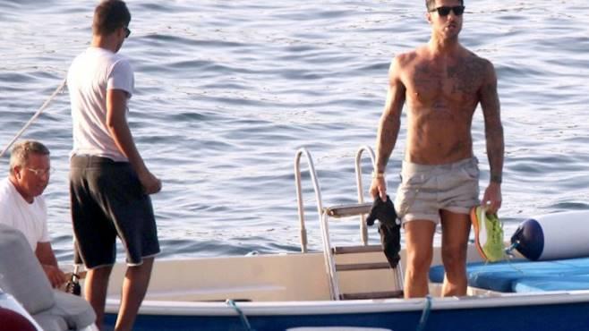 Fabrizio Corona in vacanza a Capri con Silvia Provvedi. Ecco la foto!