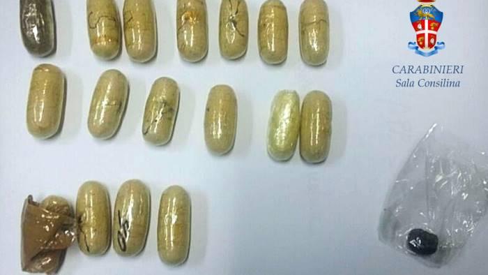 Droga:carabinieri Firenze arrestano corriere con 110 ovuli eroina