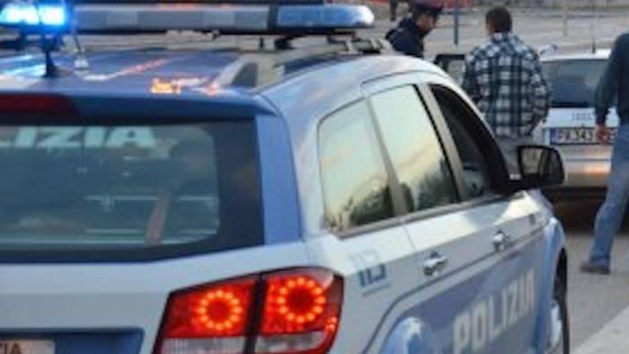 controlli della polizia in citta e in provincia