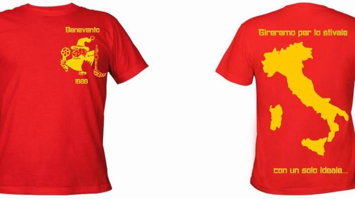 curva sud ecco le nuove t shirt con il logo del vecchio cucs