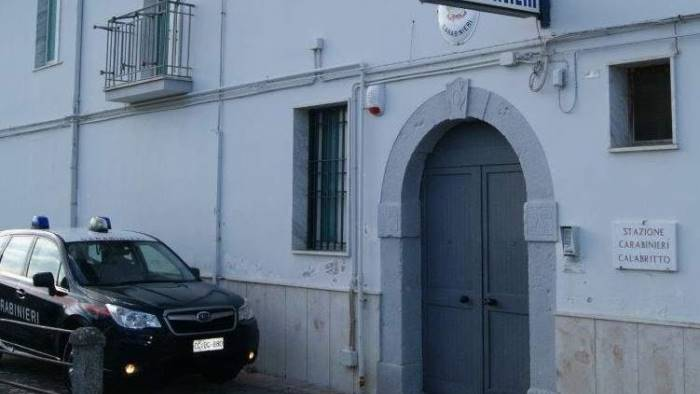 A 17 anni già rapina i coetanei: arrestato dai carabinieri