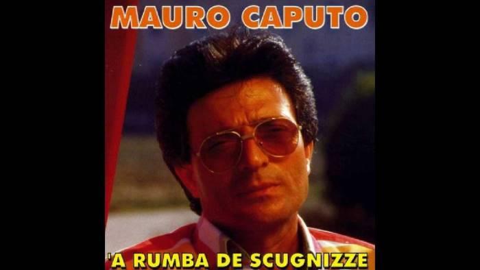 Piange la musica napoletana: è morto il cantante Mauro Caputo