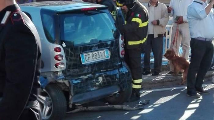 Foto grave incidente a nocera inferiore cinque i feriti for Sud arredi nocera superiore