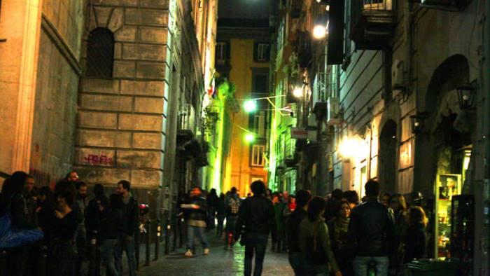 Napoli, agguato nel pub