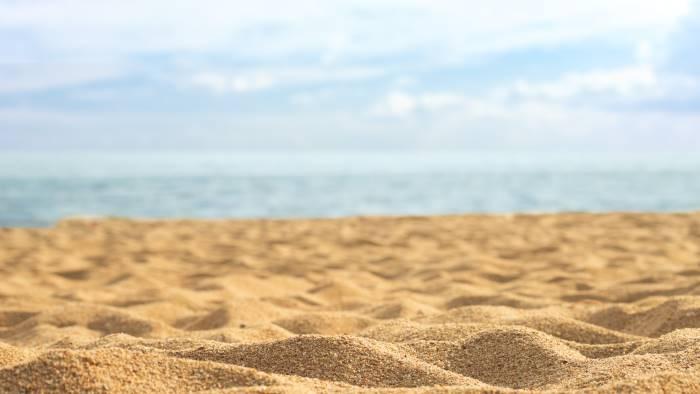 la spiaggia non c e piu la soluzione e peggiore del male