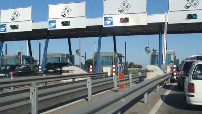 caselli autostradali chiusi segnalazione al ministro toninelli