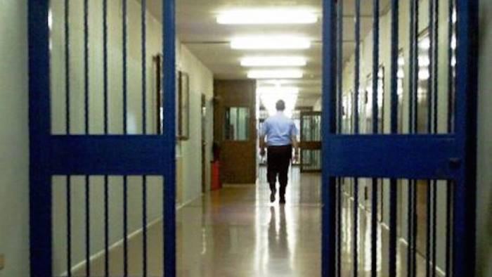 sfruttamento dei migranti capo della banda finisce in carcere