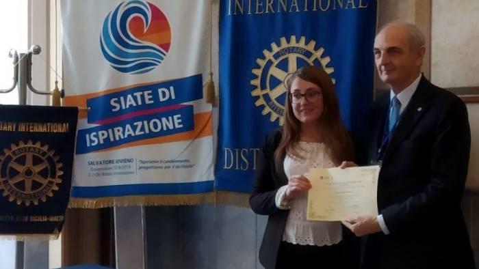 premio etic riconoscimento ad una laureata unisannio