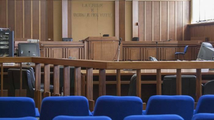tenta abusi sessuali su una minore condannato