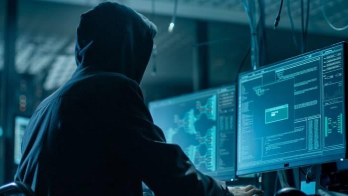 si nascondeva in hotel del centro preso pericoloso hacker