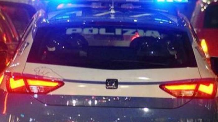 si barricano nell auto con la cocaina arrestati dalla mobile