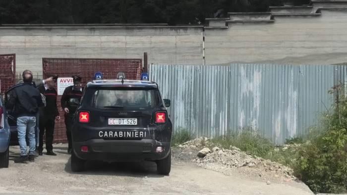 ariano blitz dei carabinieri nel cantiere del nuovo cimitero