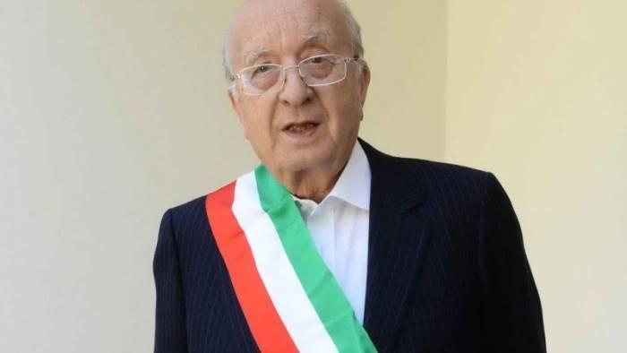 nusco ciriaco de mita rieletto sindaco a 91 anni