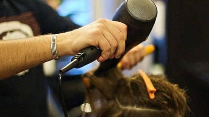 18 maggio ok per estetiste e parrucchieri fermi i ristoranti