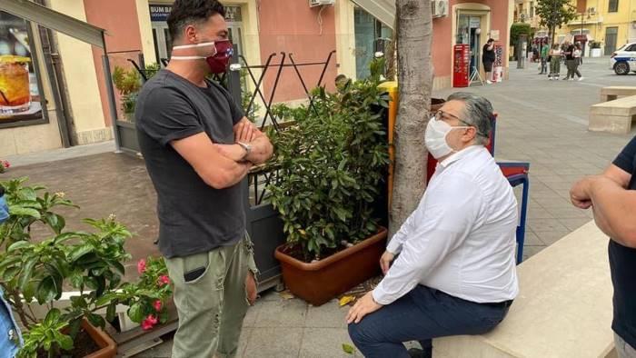 agropoli e fase 2 il sindaco in tour tra i commercianti