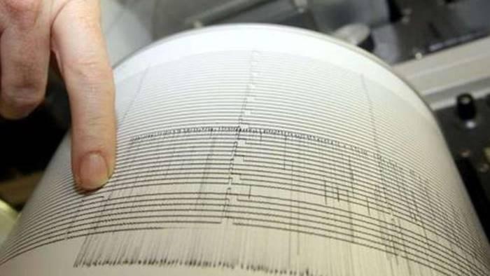 terremoto 6 scosse nella notte sequenza sismica in irpinia
