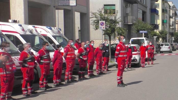 istat e croce rossa italiana in campo per test sierologici