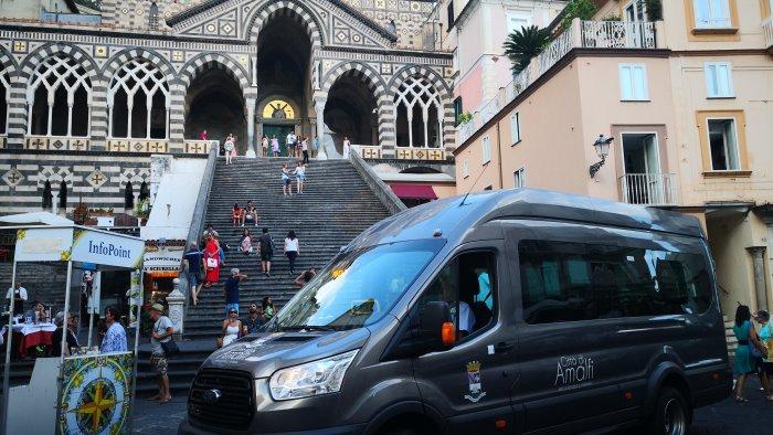 amalfi riparte il servizio bus interno in orario pomeridiano