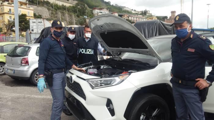 porto di salerno scoperto traffico di auto estere rubate