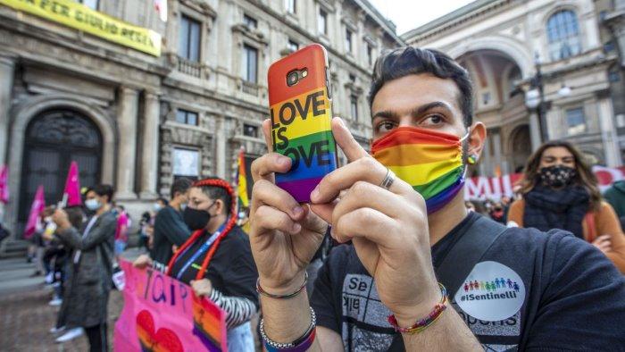 omotransfobia 60 italiani favorevole a ddl zan