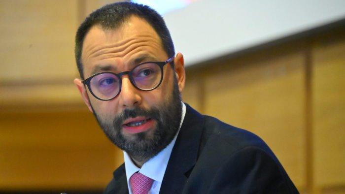 dealcolazione patuanelli italia contraria alla proposta