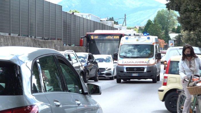 pochi parcheggi e traffico caos mercato a campo genova