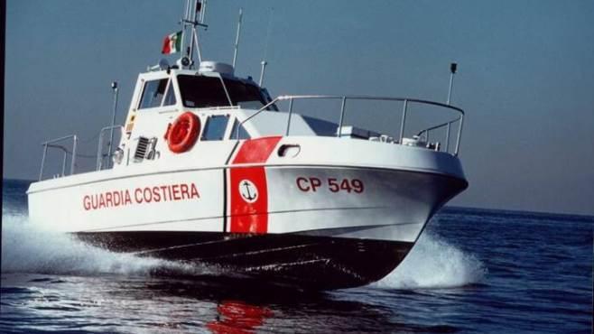 domenica di lavoro per la guardia costiera