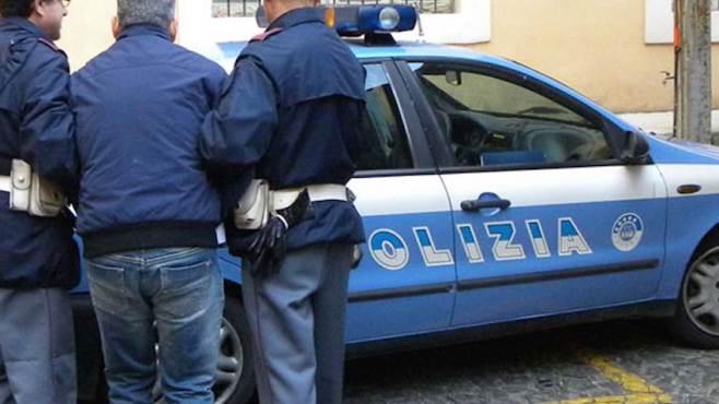 ricercato per spaccio di droga fermato e arrestato