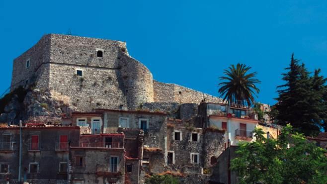 restauro dei siti storici fondi solo per quattro