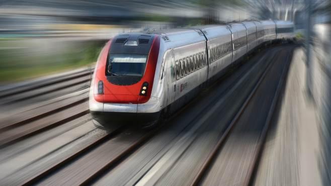 ferrovieri aggrediti 15 treni piu a rischio
