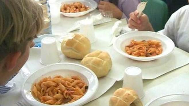 scuola affidato il servizio mensa pasti meno cari a 3 3 euro