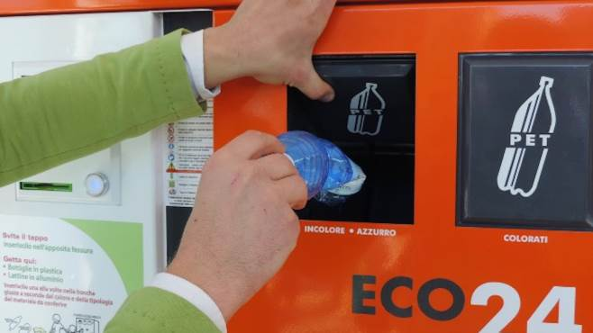 buoni spesa in cambio di rifiuti parte la raccolta 2 0
