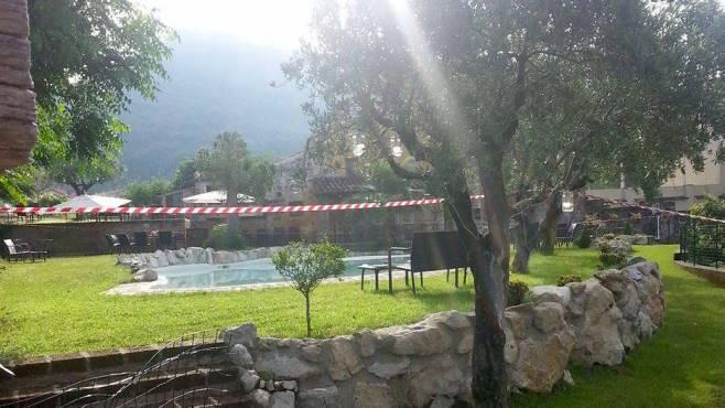 Benevento, bimba trovata morta in piscina: 21enne indagato per omicidio e stupro