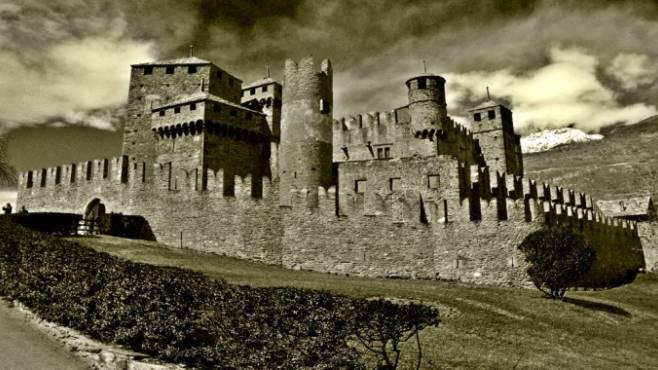 Letto A Castello Campania.Fantasmi E Amanti Ecco Cinque Luoghi Infestati In Campania