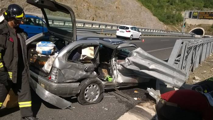 Salgono a 4 Morti in incidente su A2